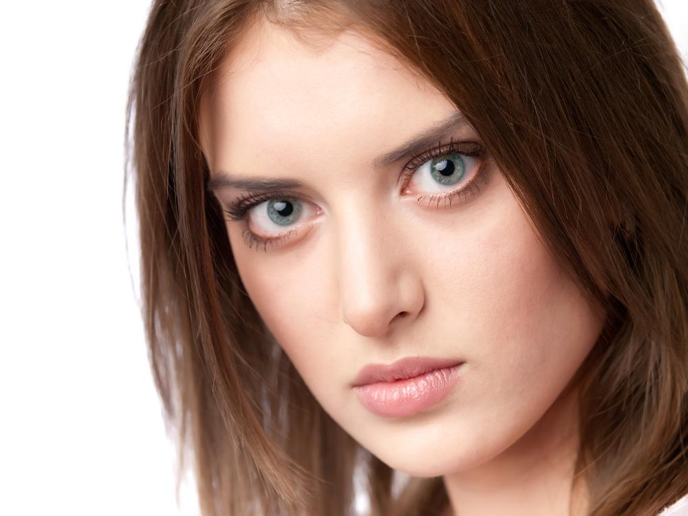 【口コミ・体験談】眉間プロテーゼでアバター状態になってしまいました。